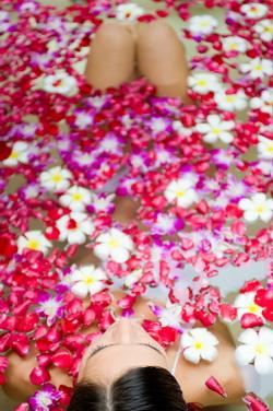Балинезийская цветочная ванна
