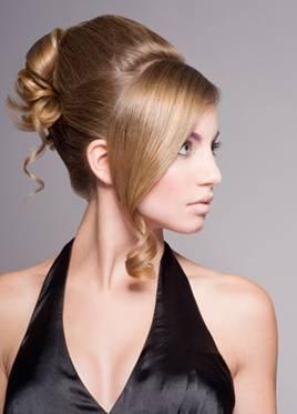 прическа для длинных волос