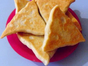 Треугольные пирожки с мясом и картошкой